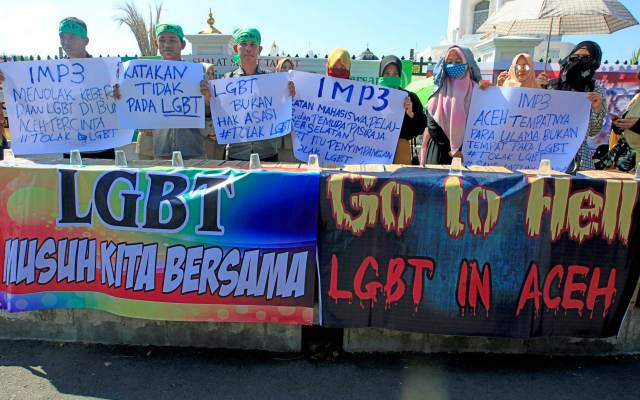 Anti-LGBT protest in February in Banda Aceh, the capital of Aceh province. (Photo courtesy of Anfara Foto/Reuters/The Telegraph)